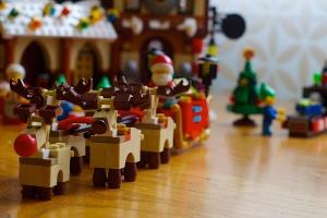 Santa's Sleigh & Reindeer